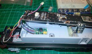 Dietz SUSI-Soundecoder micro x3 in Kunststoffwanne vorbereitet